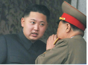 Il dittatore Ping Pong che se la prende col suo luogotenente Alfredo Quagliarulo perchè gli è andato a comprare le sigarette ma si è scordato l'accendino.